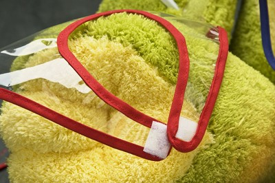 Babero Mandil Plastico Transparente cierre velcro